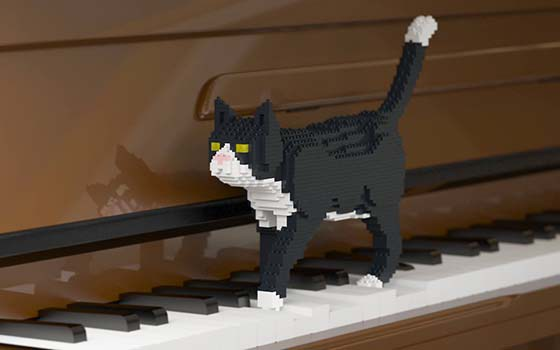 lego-cat-piano